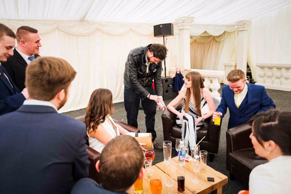 wedding magician staffordshire infiniti close up magic
